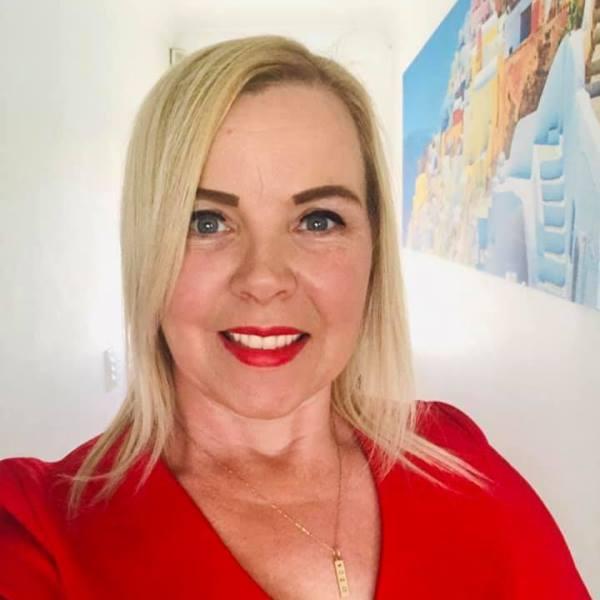 SuperConnector spotlight feature – Karen Mc Dermott, Publisher, Author, Speaker & Mentor